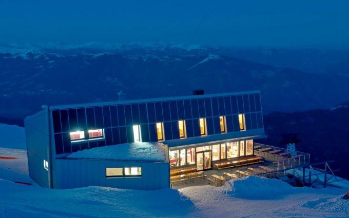 Gipfelhaus Dobratsch Nachtansicht