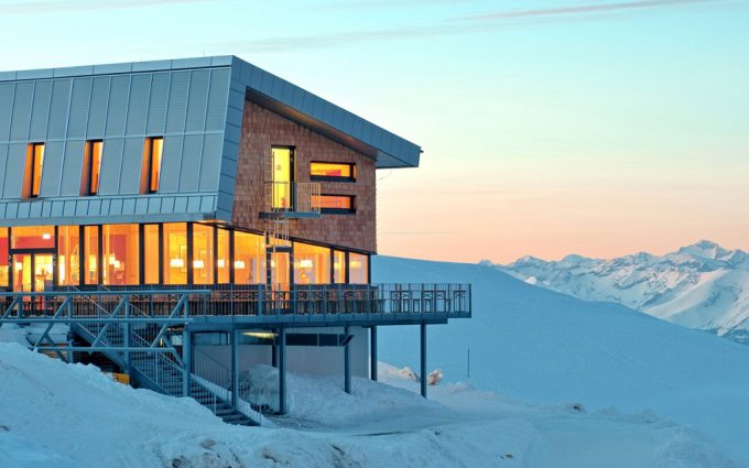 Gipfelhaus Dobratsch Front